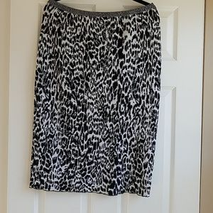 Jones New York woman sweater skirt